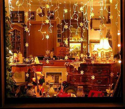 Antiquit ten l ber ausgefallen wohnen for Weihnachtsdeko schaufenster